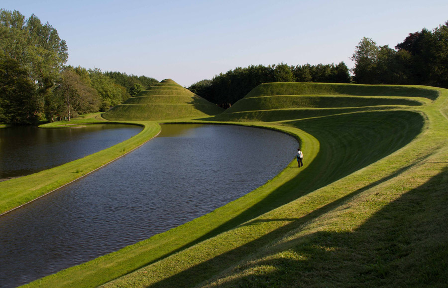 The Garden of Cosmic Speculation (Dumfries) (© PattersonWebster)