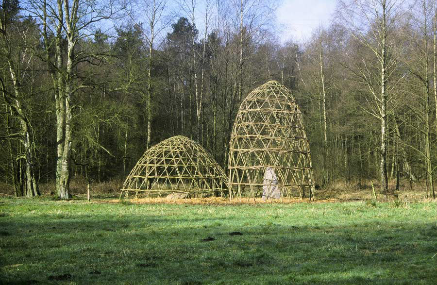 Willow Domes on The Este (Neddernhof) (© Chris Drury)